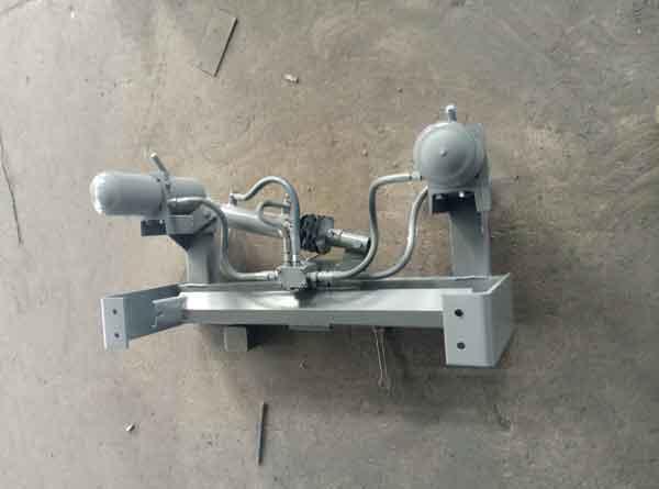 液压纠偏装置